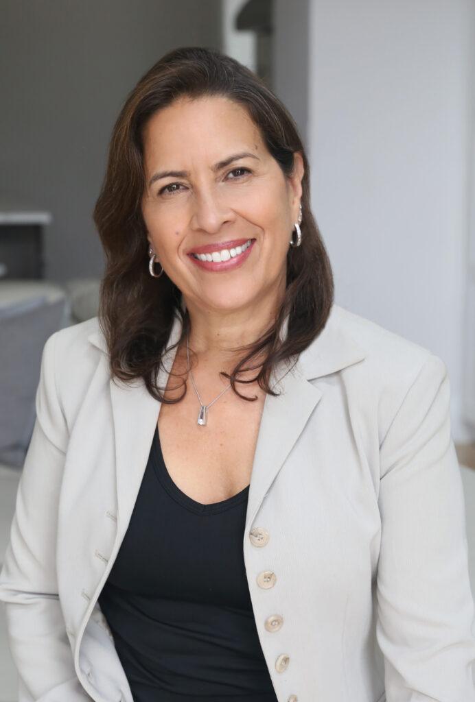 Jeannie  Nieves